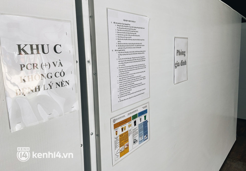 Cận cảnh khu điều trị Covid-19 trên sân bóng đá đầu tiên ở Sài Gòn vừa chính thức đón F0 - Ảnh 12.