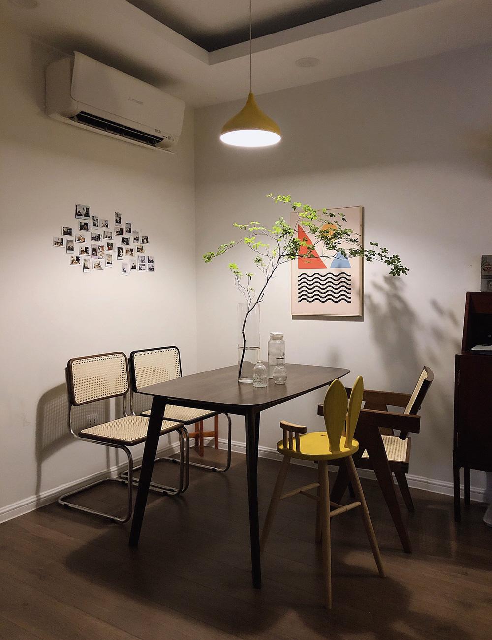 Căn hộ 76m2 với toàn đồ nội thất hàng tuyển: Combo đèn Caprani và ghế Poang vừa chill vừa art - Ảnh 10.