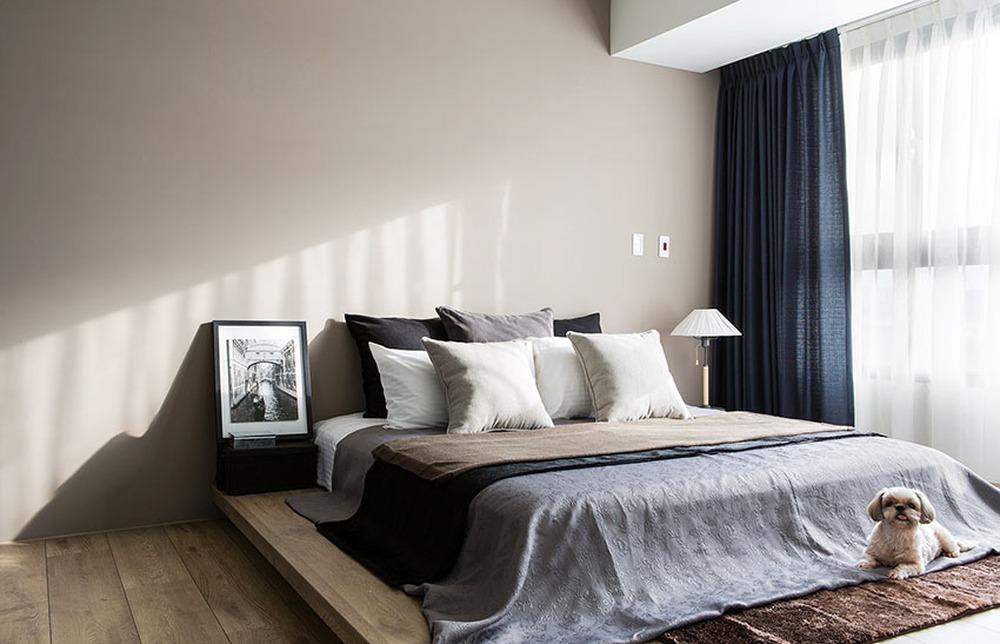 Đập bỏ tường, phòng khách của vợ chồng trẻ rộng đến mức chứa được 20 người, còn có góc làm việc chill hết nấc - Ảnh 8.