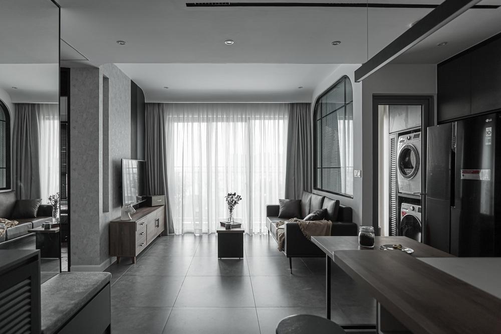 Vợ chồng trẻ mua căn hộ 76m2, chọn màu bê tông sắc lạnh nhìn chất như phim - Ảnh 3.
