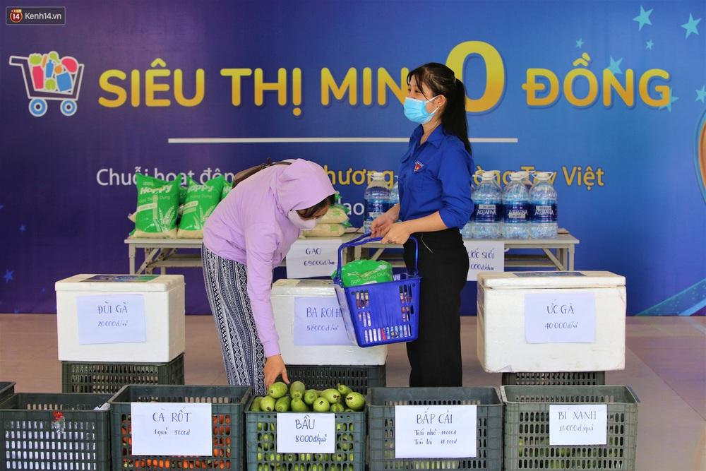 Ấm lòng Siêu thị 0 đồng lan tỏa tình người giữa mùa dịch tại Đà Nẵng - Ảnh 18.