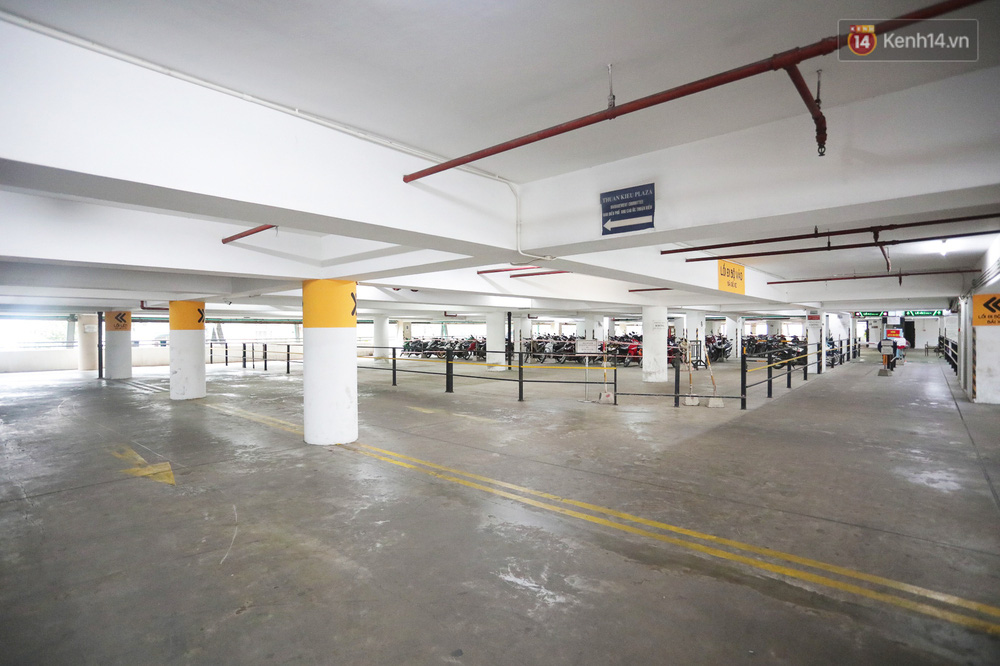Toàn cảnh bên trong Thuận Kiều Plaza đang thi công chuyển đổi thành bệnh viện dã chiến 1.000 giường bệnh - Ảnh 18.