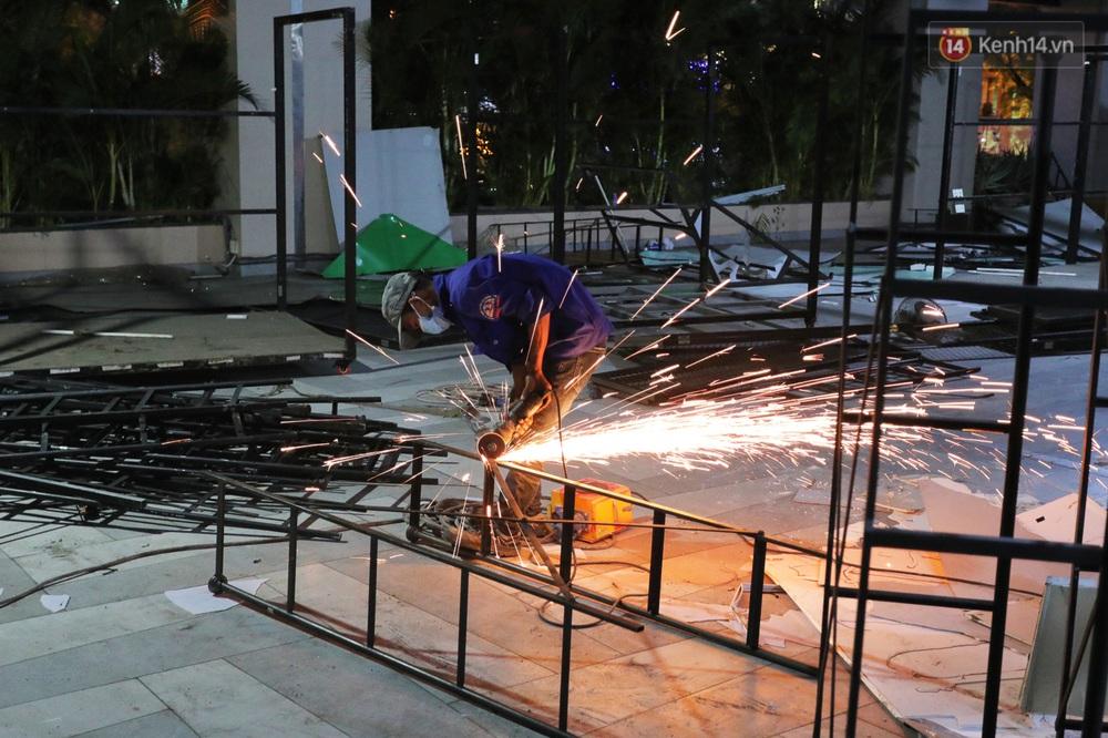 Toàn cảnh bên trong Thuận Kiều Plaza đang thi công chuyển đổi thành bệnh viện dã chiến 1.000 giường bệnh - Ảnh 17.