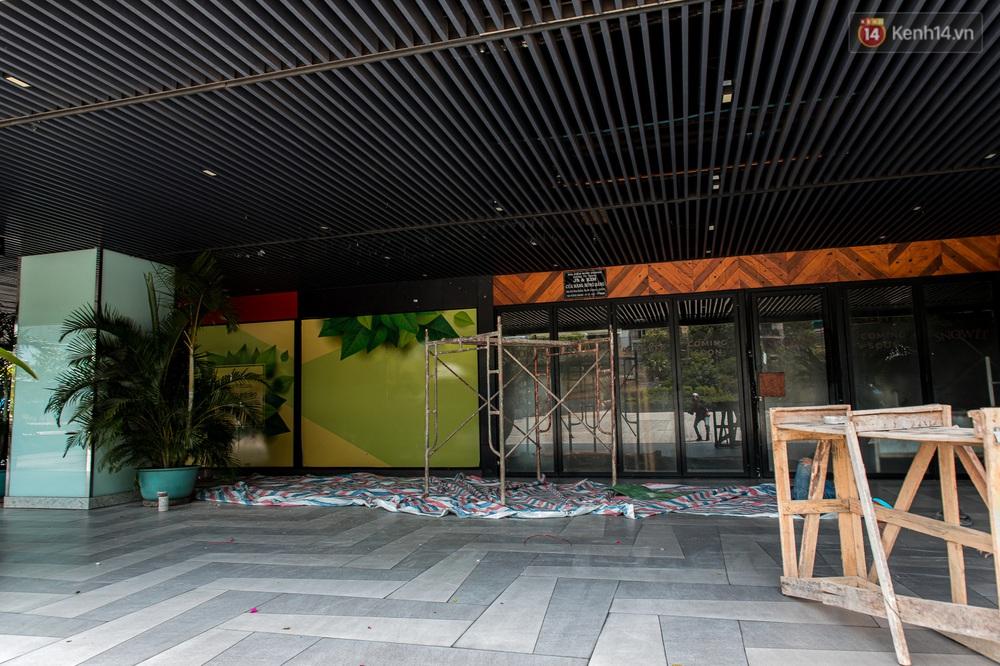 Ảnh: Cận cảnh toà nhà Thuận Kiều Plaza, nơi chuẩn bị được trưng dụng làm bệnh viện dã chiến điều trị Covid-19 - Ảnh 5.