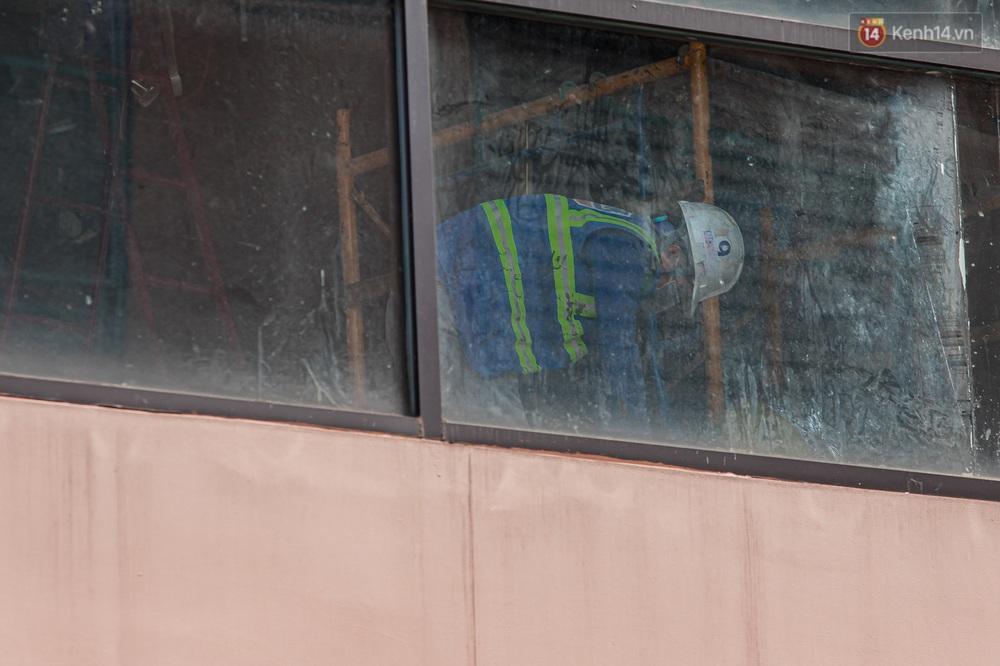 Ảnh: Cận cảnh toà nhà Thuận Kiều Plaza, nơi chuẩn bị được trưng dụng làm bệnh viện dã chiến điều trị Covid-19 - Ảnh 11.