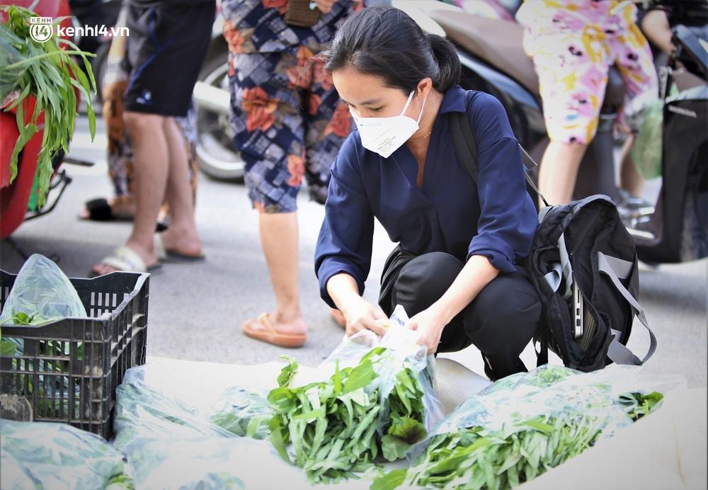 """Giữa cơn """"bão giá"""", anh nông dân mất 2 tay vẫn bán rau sạch siêu rẻ cho bà con Đà Nẵng: """"Đâu nhất thiết phải làm giàu trong dịch bệnh"""" - Ảnh 5."""