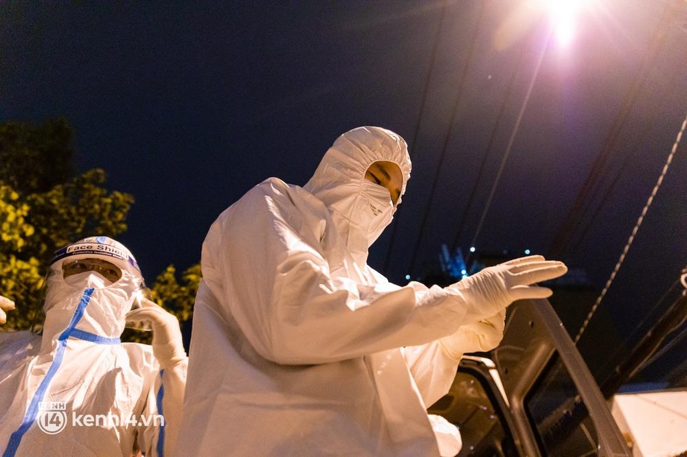 Lặng người sau một ngày dài theo chân nhóm mai táng 0 đồng ở Sài Gòn: Ước gì có thể giúp được hết tất cả... - Ảnh 3.
