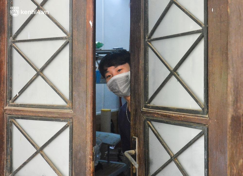 Cuộc sống những sinh viên mắc kẹt ở Hà Nội vì dịch Covid-19: Nhớ quê nhà nhưng chuẩn bị tâm lý nếu tiếp tục giãn cách - Ảnh 8.