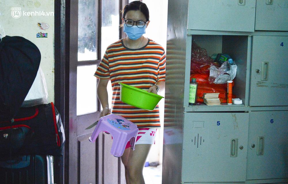 Cuộc sống những sinh viên mắc kẹt ở Hà Nội vì dịch Covid-19: Nhớ quê nhà nhưng chuẩn bị tâm lý nếu tiếp tục giãn cách - Ảnh 9.