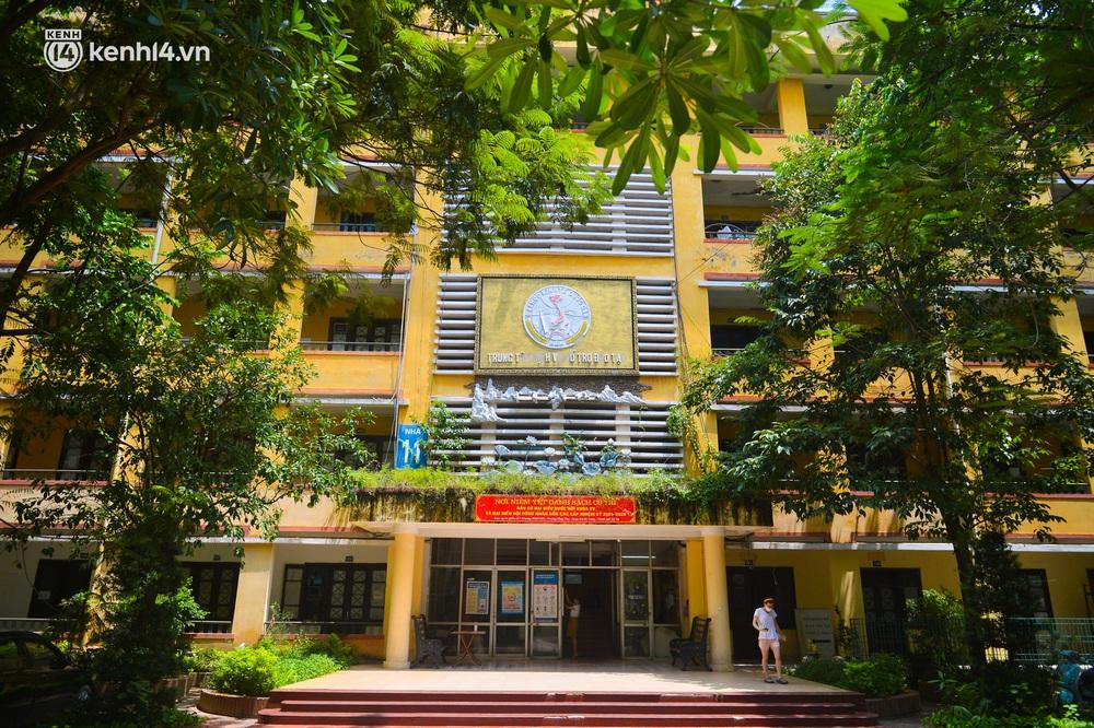 Cuộc sống những sinh viên mắc kẹt ở Hà Nội vì dịch Covid-19: Nhớ quê nhà nhưng chuẩn bị tâm lý nếu tiếp tục giãn cách - Ảnh 1.