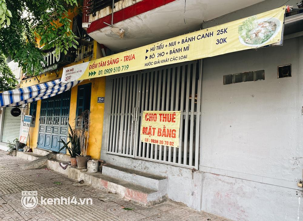 Ngày thứ hai được phép bán mang đi, hàng quán ở TP.HCM vẫn trong tình trạng ngủ đông - Ảnh 7.