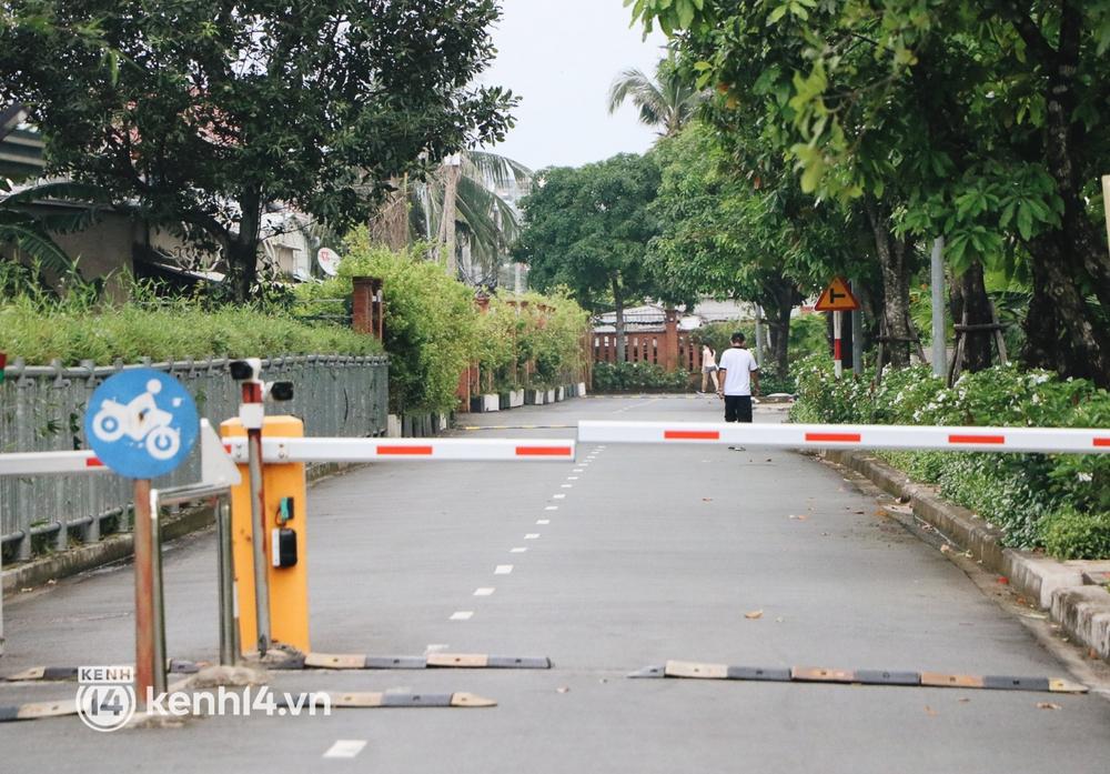 Người dân vùng xanh ở TP.HCM bắt đầu ra công viên tại chung cư, khu nhà ở tập thể dục - Ảnh 1.