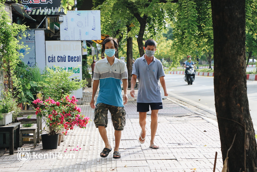 Người dân vùng xanh ở TP.HCM bắt đầu ra công viên tại chung cư, khu nhà ở tập thể dục - Ảnh 8.