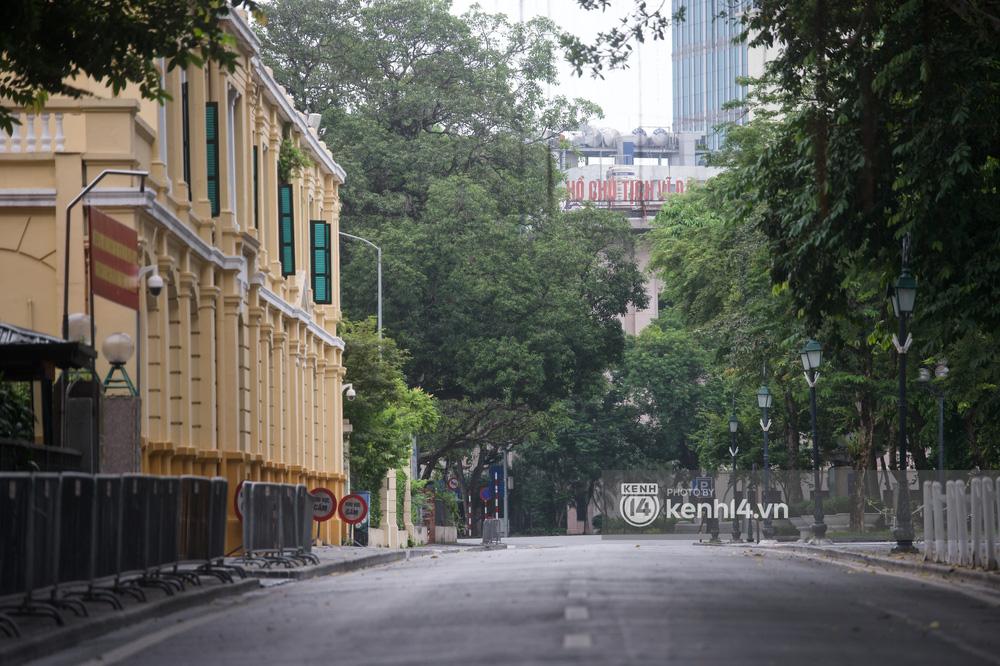 Ảnh: Ngày Quốc khánh đặc biệt giữa thời điểm Hà Nội thực hiện giãn cách xã hội - Ảnh 9.