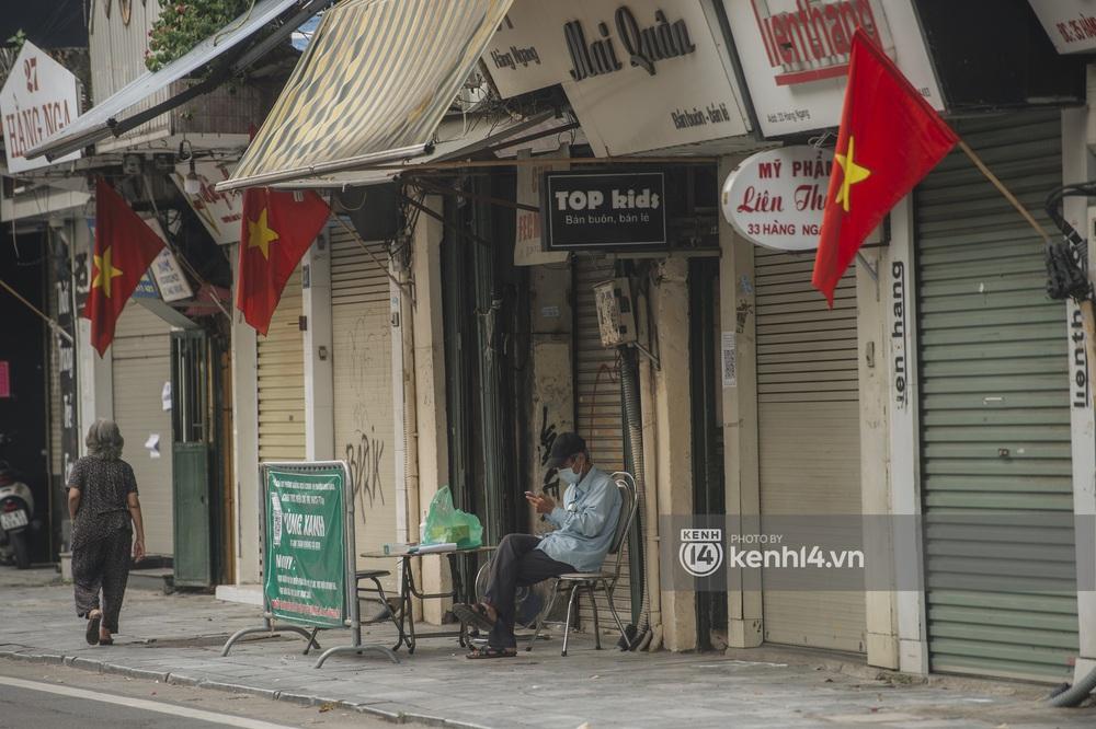 Ảnh: Ngày Quốc khánh đặc biệt giữa thời điểm Hà Nội thực hiện giãn cách xã hội - Ảnh 3.