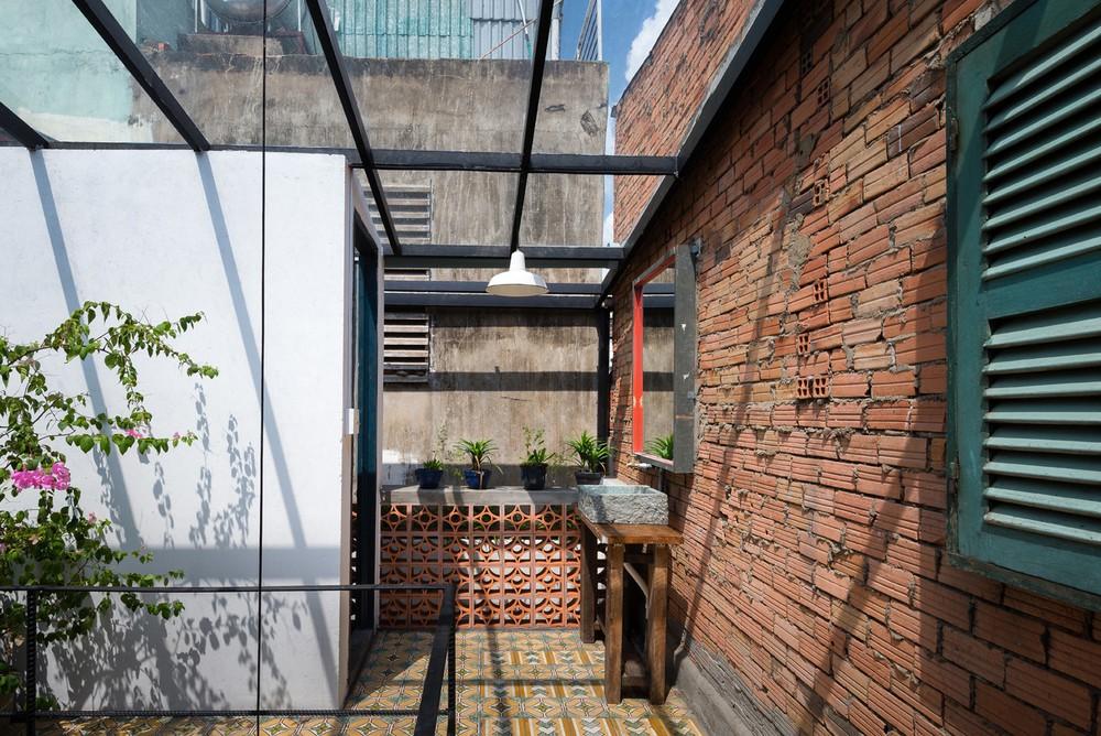 Ngôi nhà 60m2 với vô vàn ô cửa sắc màu ở Sài Gòn, bên trong chuẩn vibe vintage quá mê - Ảnh 12.
