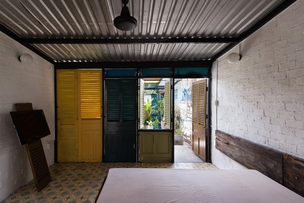 Ngôi nhà 60m2 với vô vàn ô cửa sắc màu ở Sài Gòn, bên trong chuẩn vibe vintage quá mê - Ảnh 9.