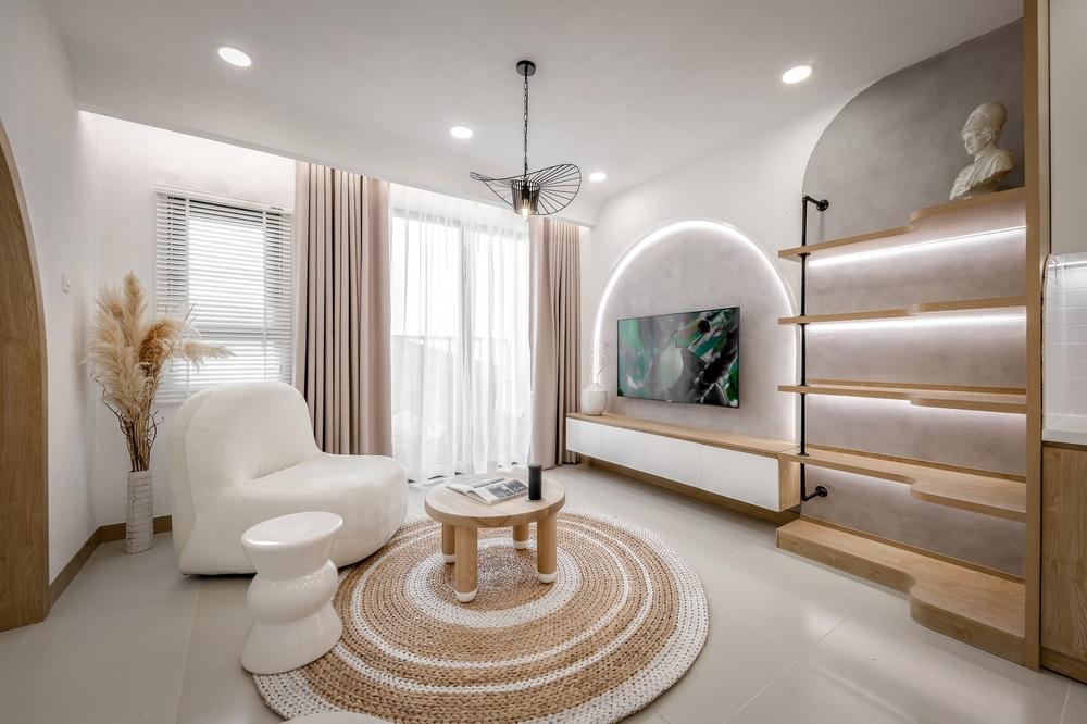 Bỏ 900 triệu thiết kế căn hộ, 8x xứng đáng nhận điểm 10 vì góc nào cũng đẹp như showroom - Ảnh 1.