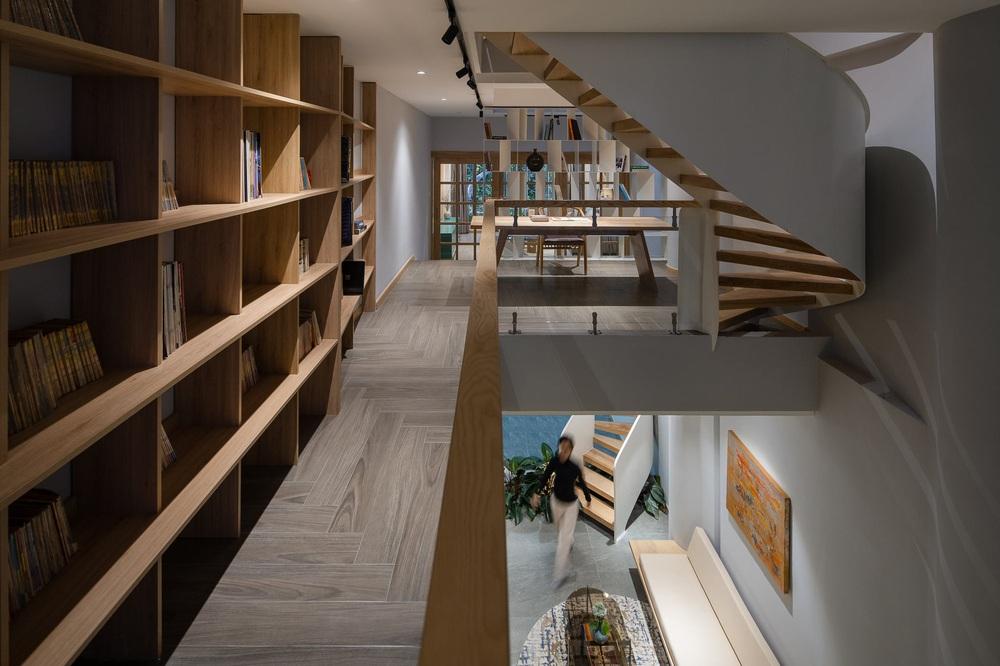 Mê mẩn nhà phố 2,3 tỷ có cầu thang uốn lượn như dải lụa, góc nào cũng giống triển lãm nghệ thuật - Ảnh 12.