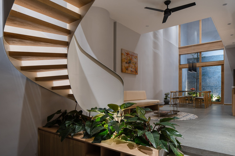 Mê mẩn nhà phố 2,3 tỷ có cầu thang uốn lượn như dải lụa, góc nào cũng giống triển lãm nghệ thuật - Ảnh 4.