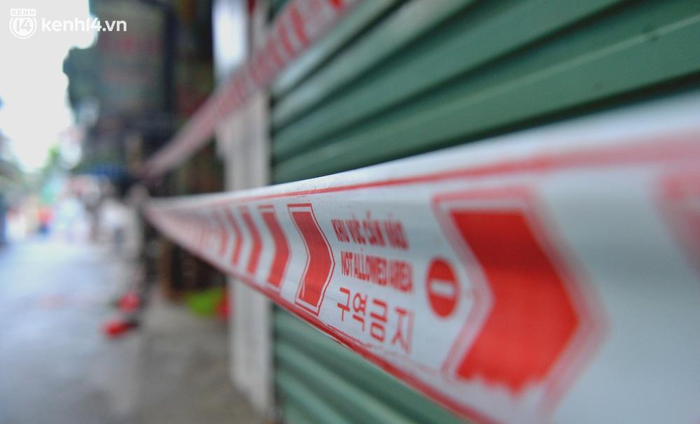 Hà Nội: Đi từng ngõ, ngách phun khử khuẩn tại ổ dịch Thanh Xuân Trung chuẩn bị đón hơn 1.100 người trở về - Ảnh 8.