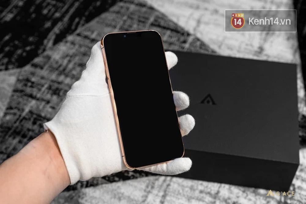 Lác mắt với iPhone 13 Pro Max mạ vàng có giá hơn 130 triệu đồng được chế tác tại Việt Nam - Ảnh 5.