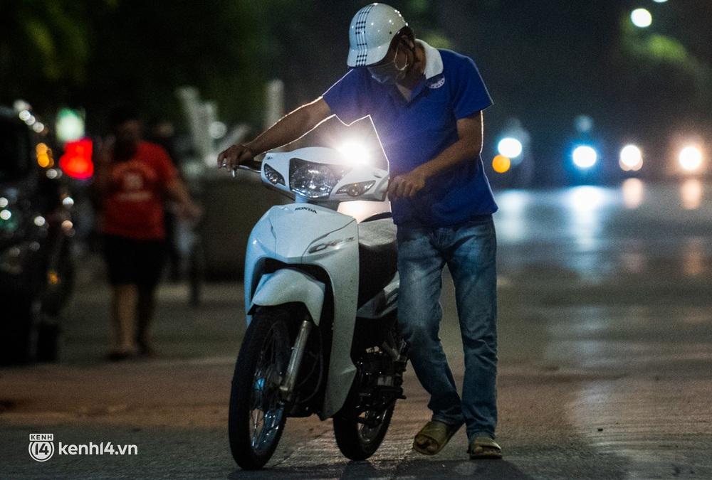Ảnh: Quay đầu xe, giấu ma tuý vào lọ mỹ phẩm vẫn không qua mắt được cảnh sát 141 trong đêm Quốc Khánh 2/9 - Ảnh 7.
