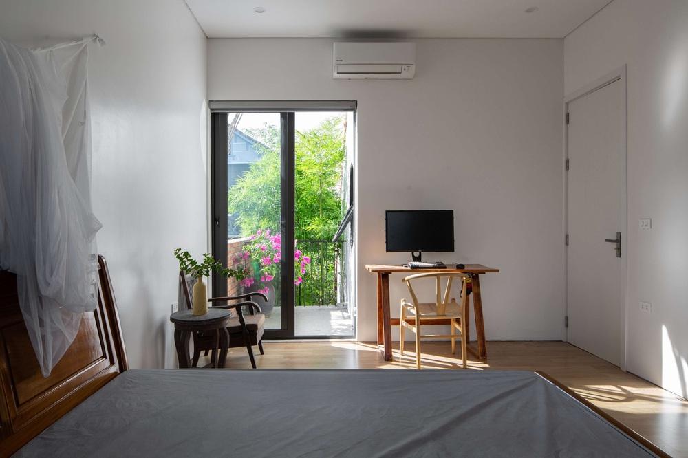 Nhiếp ảnh gia xây ngôi nhà đóng ngoài mở trong, bước vào lại càng trầm trồ với thiết kế đặc biệt cho thấy IQ cao - Ảnh 6.
