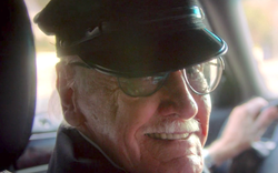 """Nhìn lại gia tài vai diễn """"cameo"""" trên màn ảnh rộng đầy thú vị của thiên tài Stan Lee"""