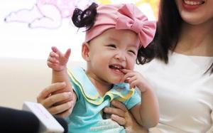 Hơn 2,3 tỷ đồng ủng hộ cặp song sinh, bé Trúc Nhi rất khó để có hậu môn thật