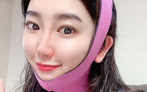 Nữ tiếp viên người Hàn bật mí bí quyết giúp cô trẻ lâu dù ngày nào cũng phải trang điểm dày phấn