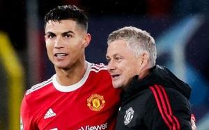 """MU chơi lớn, """"đá"""" Ole Solskjaer để mời Ronaldo ngồi vào ghế nóng?"""