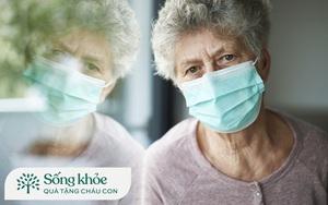 Nhà có người lớn tuổi đang điều trị ung thư, con cháu cần chú ý gì khi các cụ tiêm vaccine?