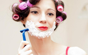 Phụ nữ Nhật thường cạo lông mặt để làm đẹp da, chống lão hóa nhưng BS da liễu khuyến cáo 2 điều khiến nhiều chị em thức tỉnh