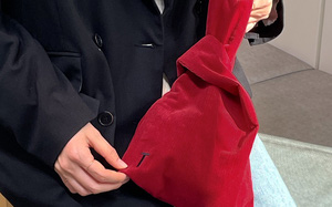 Bán túi may mắn nhưng chính SM lại xui: Túi bị chê giống đồ Taobao, còn bị mắng vì hắt hủi Red Velvet
