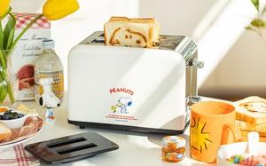 Cho người chơi hệ cute: Máy nướng bánh mì Snoopy siêu xinh, nhìn bánh ra lò càng nức nở hơn
