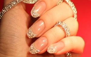 Giới siêu giàu làm nail cũng phải khác: Đính hẳn kim cương, ruby, có bộ lên tới 1 tỷ