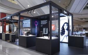 Cận cảnh cửa hàng Dyson đầu tiên tại Việt Nam: Đủ mặt hàng hot hit, máy sấy tóc và quạt không cánh có giá chính hãng cực tốt