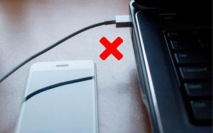 Loạt sai lầm khi sạc điện thoại mà ai cũng dễ dàng mắc phải khiến máy nhanh hỏng, dễ cháy nổ