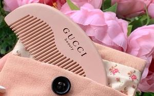 Chị em mê đắm chiếc lược Gucci màu