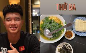 """Hội cầu thủ thi nhau khoe đồ ăn mùa dịch: Đức Chinh """"qua bữa"""" bằng mỳ tôm, Thành Chung ấm no nhờ bạn gái"""