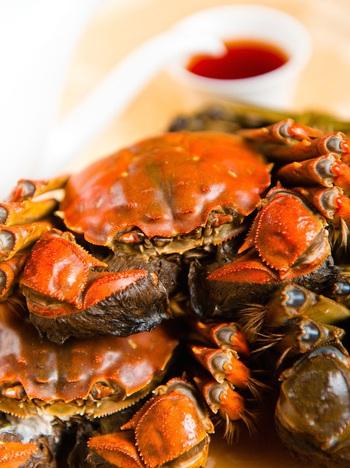 Xem cách người Thượng Hải ăn cua đặc sản của mùa này: ăn xong phải xếp lại y như ban đầu - Ảnh 1.