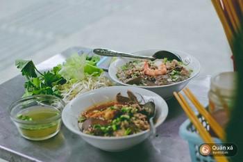 Tiệm hủ tiếu 70 năm ở Sài Gòn ăn hủ tiếu kèm pate chaud cực lạ - Ảnh 6.