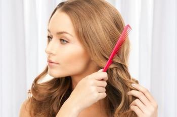 Phân biệt các mức độ hư tổn của tóc để chăm sóc đúng cách - Ảnh 2.
