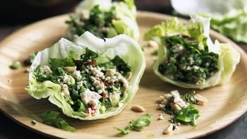Không chỉ gồm rau củ, món salad truyền thống ở các nước được chế biến cầu kì và tinh tế như thế này đây - Ảnh 6.