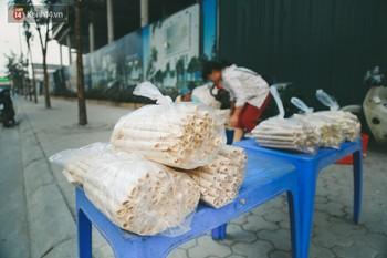 Góc quay về tuổi thơ: bánh gạo ống dân dã miền quê nhưng ai cũng mê và lỡ ăn rồi sẽ bị nghiện ngay - Ảnh 4.