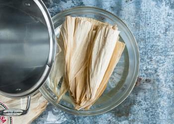Tamales: món ngon ngày Tết của người Mexico, độc đáo từ nguyên liệu gói bên ngoài đến phần nhân bên trong - Ảnh 4.