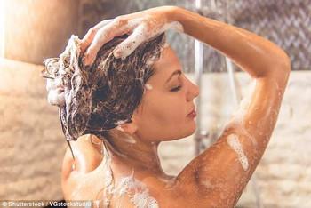 Chuyên gia nói: tắm nhiều không những không tốt mà còn tăng nguy cơ nhiễm khuẩn - Ảnh 1.