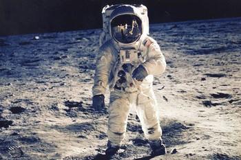 Người thứ 2 đặt chân lên Mặt trăng từng tuyên bố nhìn thấy người ngoài hành tinh, vượt qua được cả máy nói dối - sự thật là thế nào? - Ảnh 2.