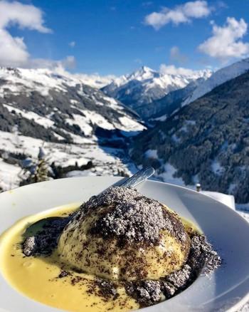 Khám phá Germknödel – món bánh bao ngọt độc đáo của nước Áo - Ảnh 2.